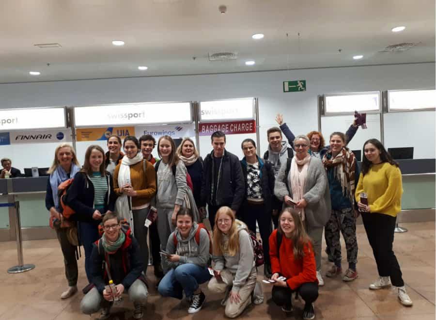 volledige groep klaar voor vertrek in Zaventem