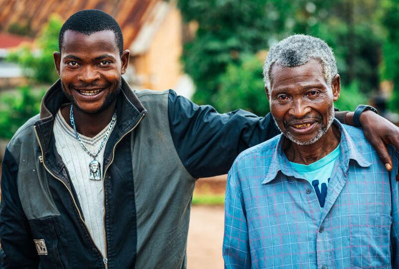 Un père et un fils confiants dans l'avenir